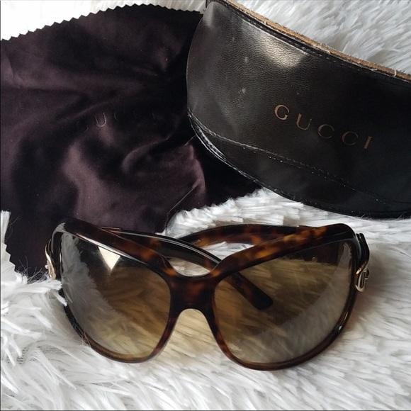 f4bbe59e2098 Gucci Accessories   Gold Buckle Sunglasses   Poshmark